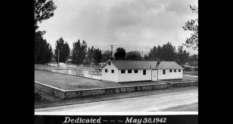 Dedication of the Deer Park pool, 1942